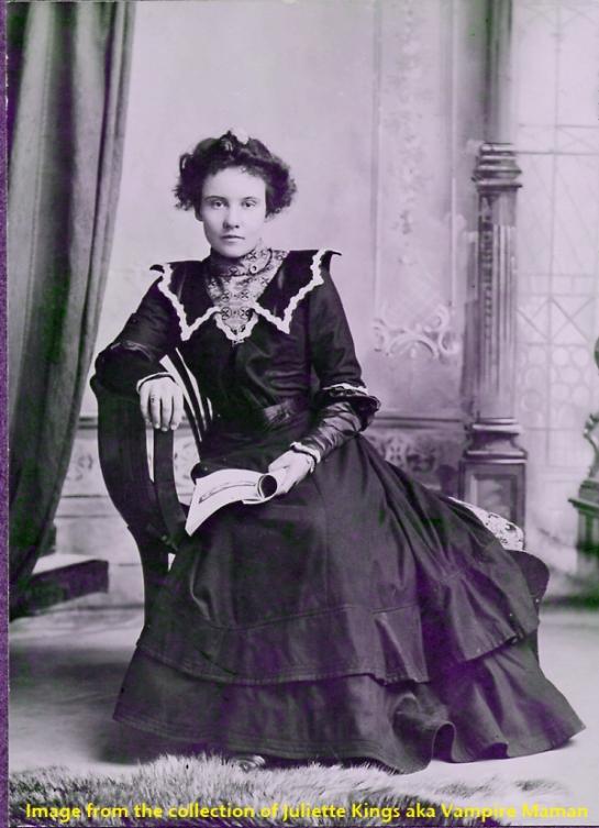 Victorian Photos Vampire Maman