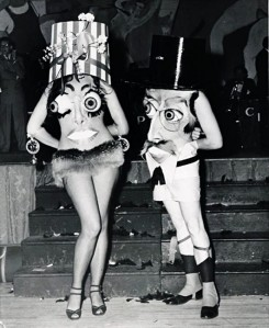 creepy-vintage-halloween-costumes11