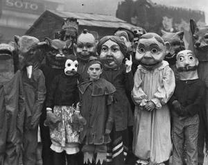 halloween-costume-vintage-antique