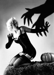 halloween-pinup