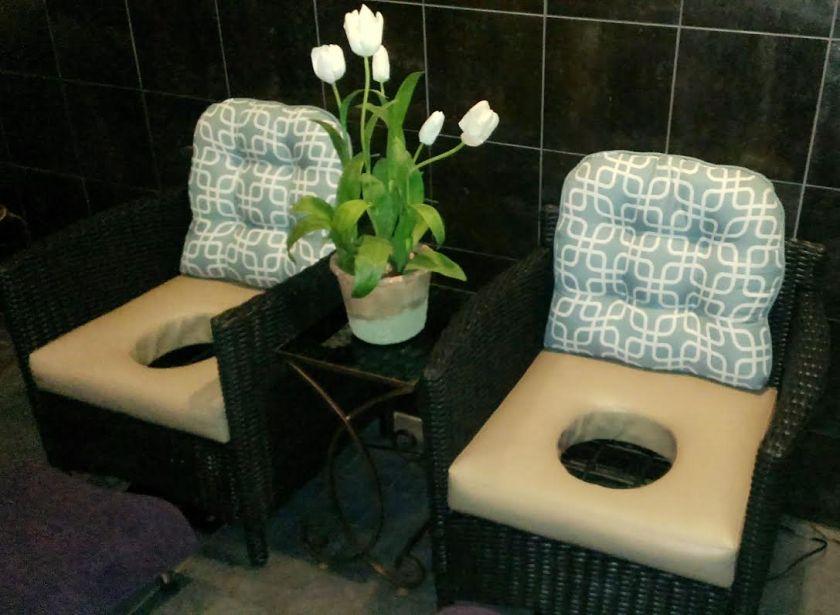 yoni-chairs
