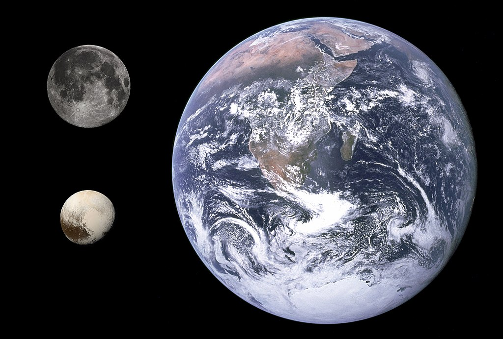 1024px-Pluto,_Earth_&_Moon_size_comparison