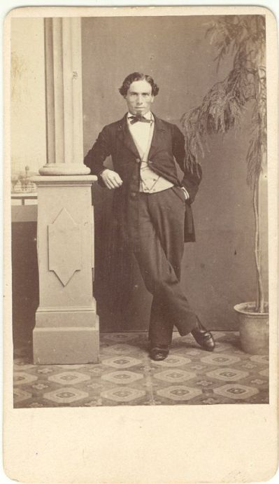 My regular readers might recognize this fine fellow. Innocenzio D'Antonio: An opera singer and friend of the family.
